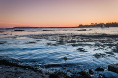 Sonnenuntergang über Linekin-Bucht in Boothbay-Hafen, Maine Stockfotografie