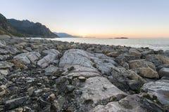 Sonnenuntergang über Lofoten-Inseln, Norwegen Lizenzfreie Stockfotos
