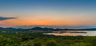 Sonnenuntergang über Marinella lizenzfreie stockbilder