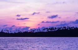 Sonnenuntergang über Meer Lizenzfreie Stockbilder