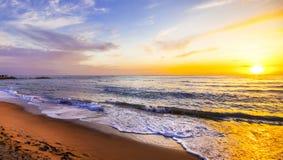 Sonnenuntergang über Meer Stockbilder