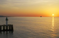Sonnenuntergang über Meer in Calais. Frankreich Lizenzfreies Stockbild