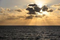 Sonnenuntergang über Mittelmeer Lizenzfreies Stockbild
