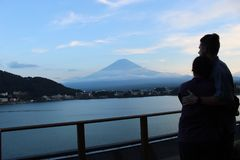 Sonnenuntergang über Mt Fuji 2018 lizenzfreie stockbilder