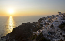 Sonnenuntergang über Oia, Santorini-Grieche-Insel Stockbild