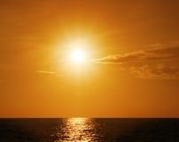 Sonnenuntergang über Ozean Stockfotos