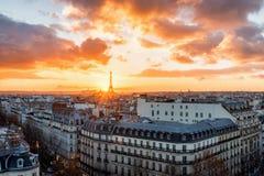 Sonnenuntergang über Paris stockbilder