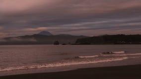 Sonnenuntergang über Pazifischem Ozean im Bucht Zavoiko-Vorrat-Gesamtlängenvideo stock footage
