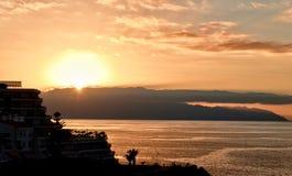 Sonnenuntergang über Puerto Santiago Stockfotografie