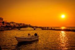 Sonnenuntergang über Stadt von Lefkas in Lefkas-Insel, Griechenland Stockfoto