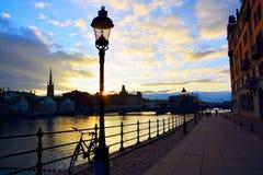 Sonnenuntergang über Stockholm lizenzfreie stockfotos