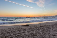 Sonnenuntergang über Venedig-Fischen-Pier in Venedig-Strand, Los Angeles lizenzfreies stockbild