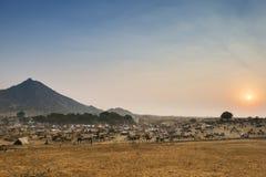 Sonnenuntergang über Wüste bei Pushkar, Rajasthan, Indien Stockfotos