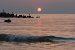 Sonnenuntergang über Wasser Lizenzfreies Stockbild