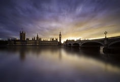 Sonnenuntergang über Westminster-Brücke, London Lizenzfreie Stockfotografie