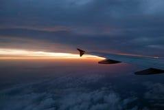 Sonnenuntergang über Wolke. Lizenzfreie Stockfotos