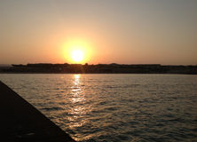 Sonnenuntergang übersee Lizenzfreie Stockfotos