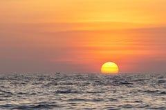 Sonnenuntergang in Aceh, Indonesien Lizenzfreie Stockbilder