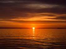 Sonnenuntergang in adriatischem Meer Stockbild