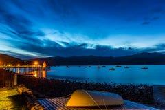 Sonnenuntergang in Akaora, Neuseeland Lizenzfreie Stockbilder