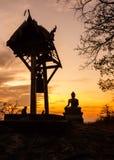 Sonnenuntergang-alter Tempel wat Praputtachai Lizenzfreies Stockbild