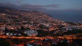 Sonnenuntergang-Ansicht von der Lufttimelapse Funchals panoramisches stock footage