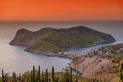 Sonnenuntergang in Assos, Cephalonia, Griechenland Stockfoto