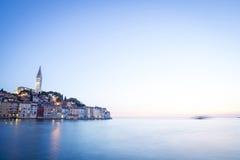 Sonnenuntergang auf adriatischer Küste Lizenzfreie Stockbilder
