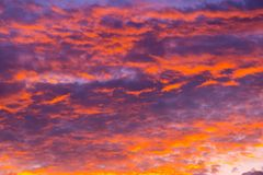 Sonnenuntergang auf cloudscape Lizenzfreie Stockbilder