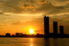 Sonnenuntergang auf dem Fluss stockbilder