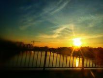 Sonnenuntergang auf dem Fluss Lizenzfreies Stockbild