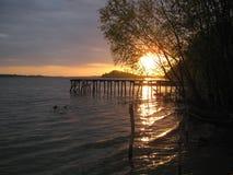 Sonnenuntergang auf dem Fluss Donau Lizenzfreie Stockbilder