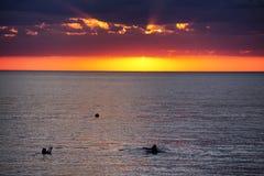 Sonnenuntergang auf dem großen See Balkhash Lizenzfreie Stockfotografie