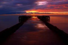 Sonnenuntergang auf dem Kai Stockbild