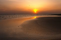Sonnenuntergang auf dem Meer stockbild