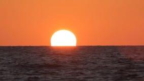 Sonnenuntergang auf dem Meer in Israel stock video footage