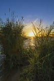 Sonnenuntergang auf dem oberen Iset-Teich lizenzfreies stockbild