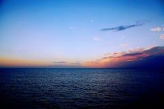 Sonnenuntergang auf dem Ozean lizenzfreie stockfotografie