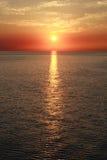 Sonnenuntergang auf dem Ozean stockfotos