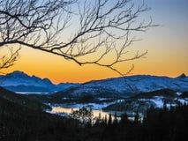 Sonnenuntergang auf dem Polarkreis Stockfotos