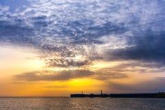 Sonnenuntergang auf dem Schwarzen Meer, Adler, Sochi, Russland Lizenzfreies Stockbild