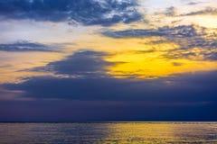 Sonnenuntergang auf dem Schwarzen Meer, Adler, Sochi, Russland Stockbilder