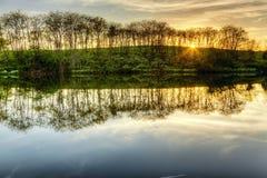 Sonnenuntergang auf dem See Stockfoto