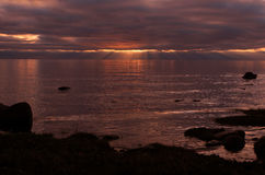 Sonnenuntergang auf dem See Lizenzfreie Stockfotos