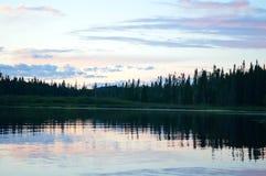 Sonnenuntergang auf dem See Lizenzfreie Stockfotografie