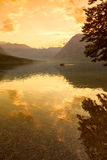 Sonnenuntergang auf dem See Bohinj Stockbild