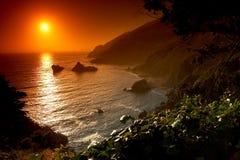 Sonnenuntergang auf dem Strand stockbilder