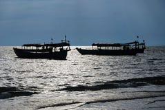 Sonnenuntergang auf dem Strand in Sihanoukville, Kambodscha Lizenzfreie Stockbilder