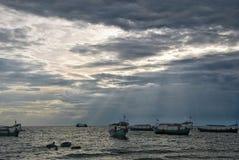 Sonnenuntergang auf dem Strand in Sihanoukville, Kambodscha Stockfoto