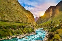 Sonnenuntergang auf dem Weg zu den Aguas Calientes Lizenzfreie Stockfotos